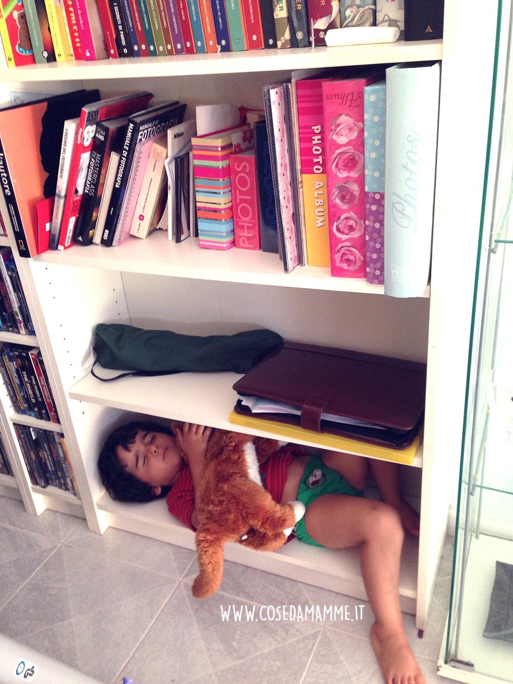 daniel addormentato nella libreria