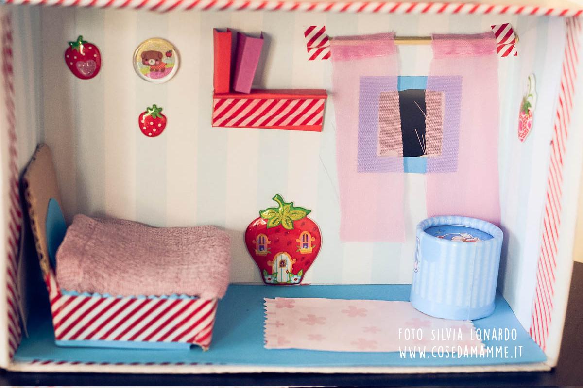 Dollhouse fai da te da scatola delle scarpe a casa delle for Casa delle barbie fai da te