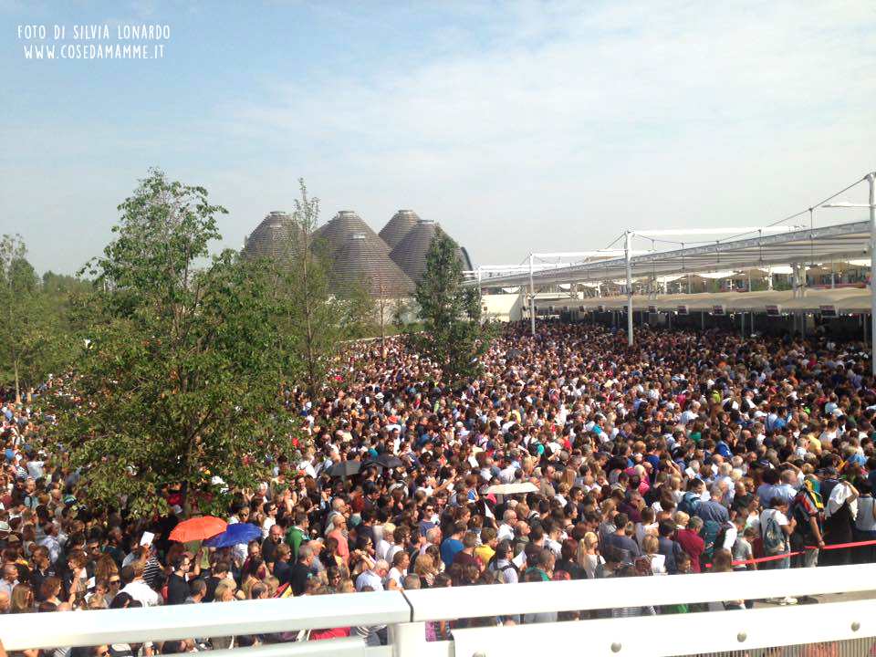 folla entrata expo