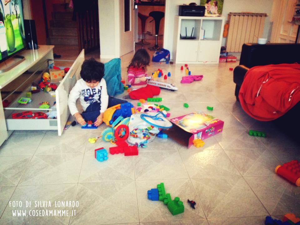 bambini giocano in casa casino