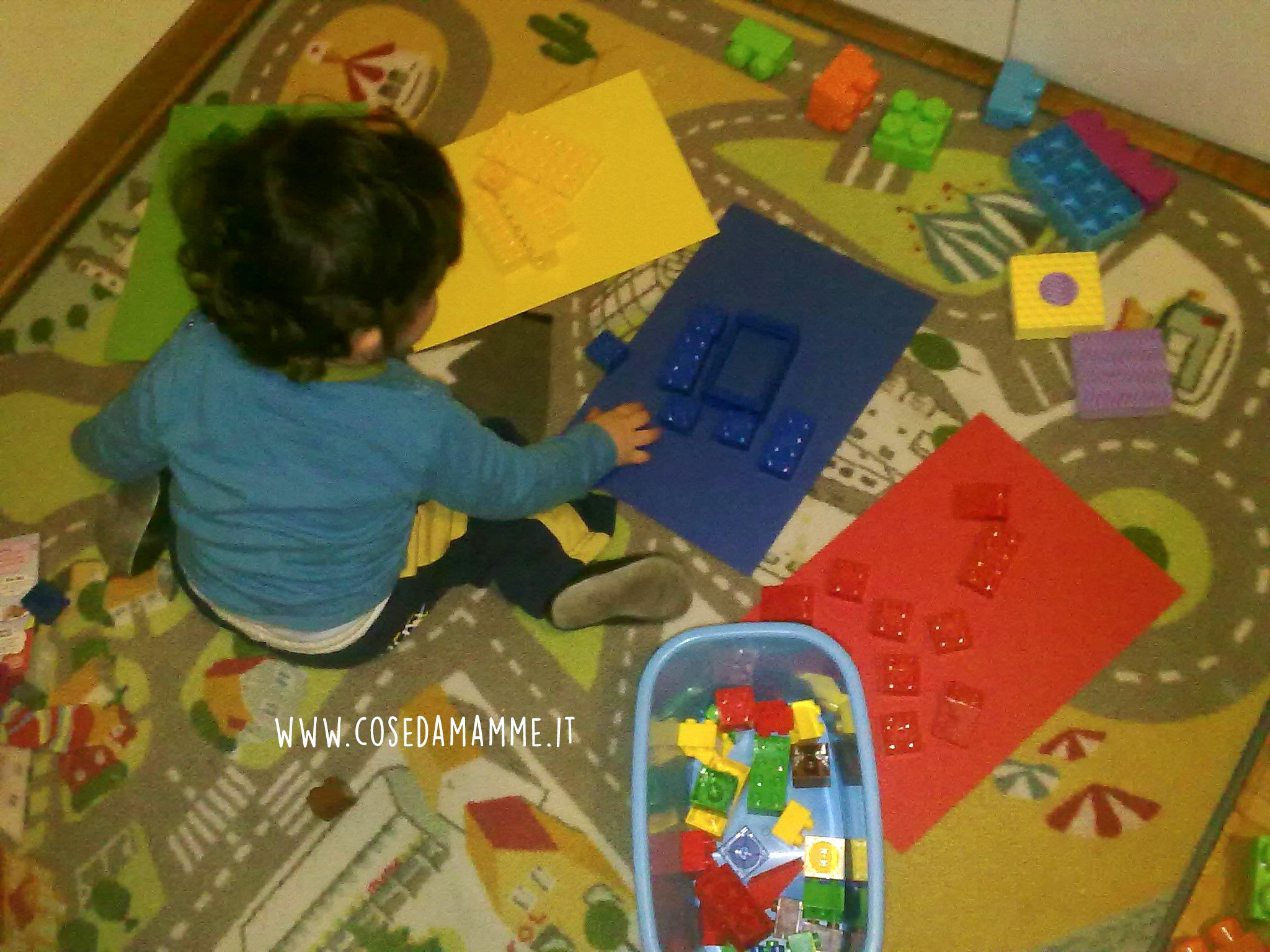 insegnare i colori con i lego